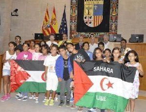 Niños daharauis en Las Cortes de Aragón